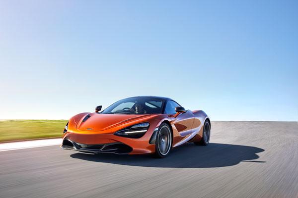 7520-McLaren+720S-21-Action
